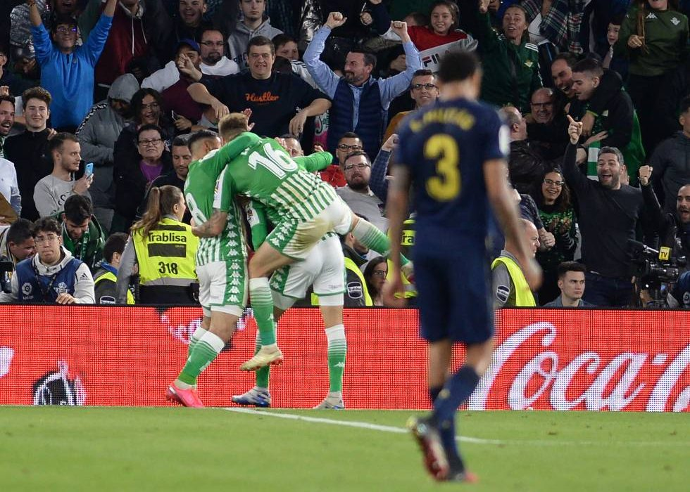 Crónica | Real Betis Balompié 2-Real Madrid 1: Bombona de oxigeno