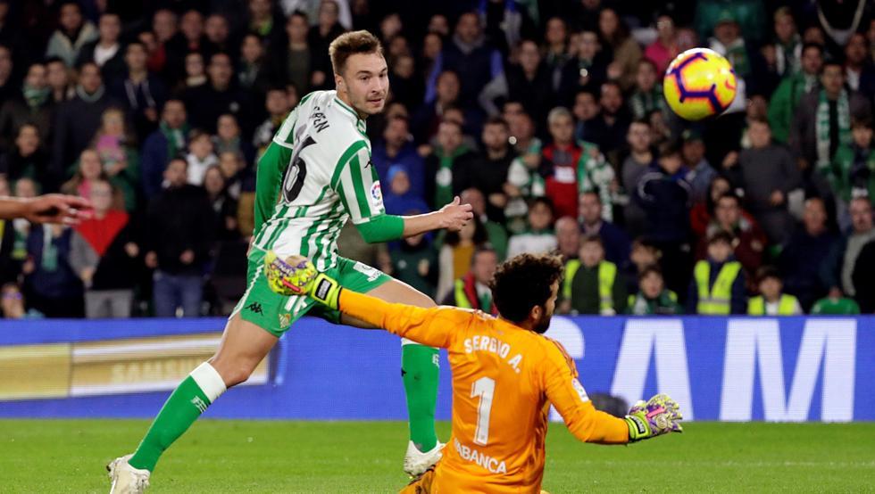 Crónica   Real Betis Balompié 3-Real Club Celta de Vigo 3: Partido loco en el Villamarín