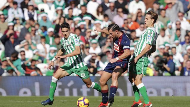 Crónica | Real Betis Balompié 1-SD Éibar 1: Empate agridulce para cerrar el año